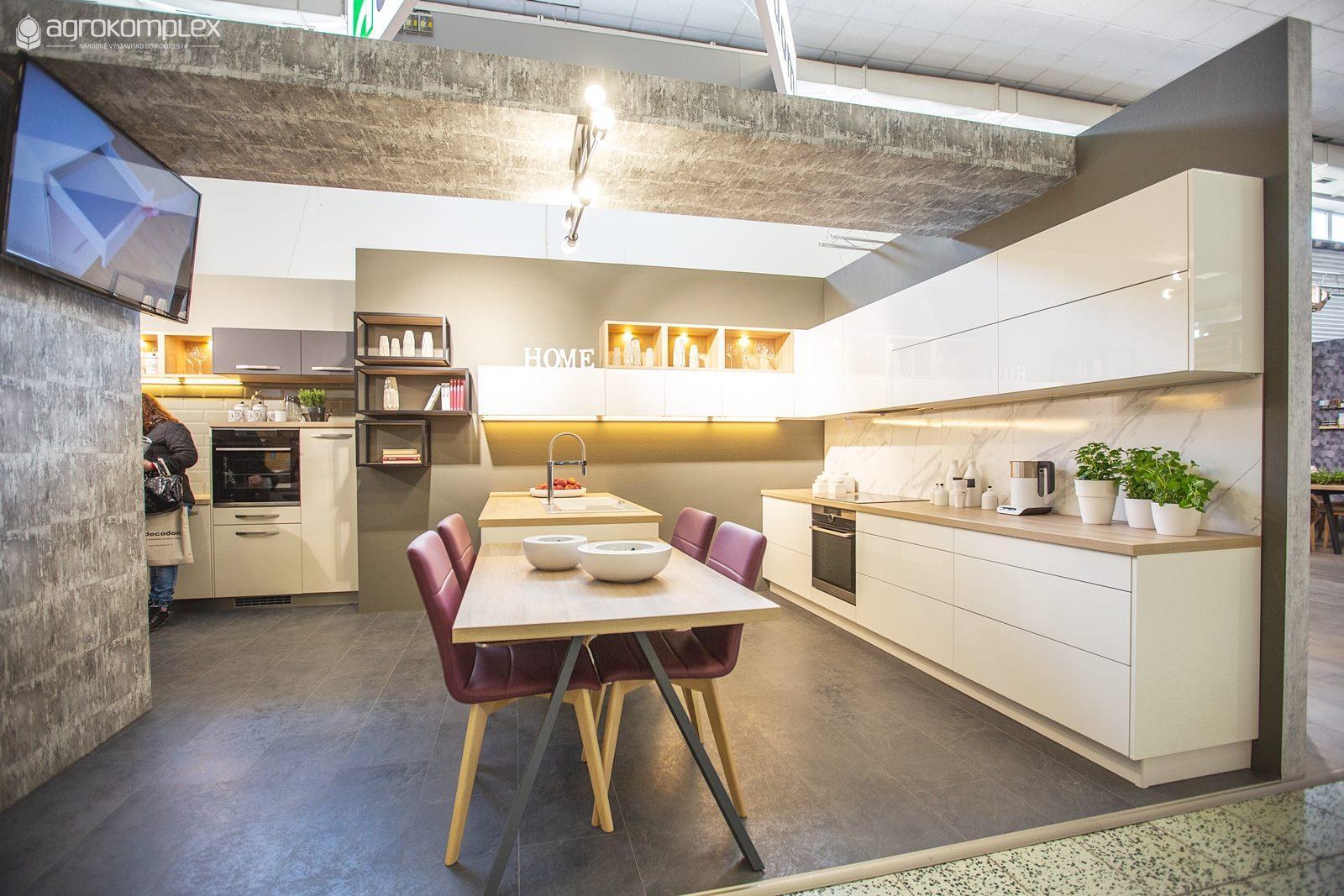 8a7927cedea68 Kuchyne Family sú najnovším členom rodiny kuchýň z Decodomu, ktoré  generačne nahradia kuchyne Decoplan. Ako býva zvykom v dobrých rodinách,  zdedili všetky ...