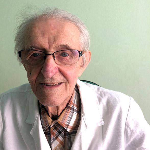 MUDr. Karol Mika pracuje ako všeobecný lekár v Banskej Bystrici.